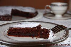 La Torta ricotta e cioccolato è un dolce molto gustoso dal sapore intenso.La torta ricotta e cioccolato risulta compatta e gustosa molto cioccolatosa .