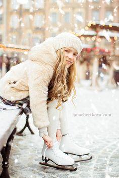 Фотосессия на катке, фотосессия зимой, детская фотосессия в пленере, коньки
