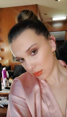 hope you have the best day! love you! x Millie Bobby Brown, Forever My Girl, Bobby Brown Stranger Things, Browns Fans, Enola Holmes, Idole, Celebs, Celebrities, Best Actress