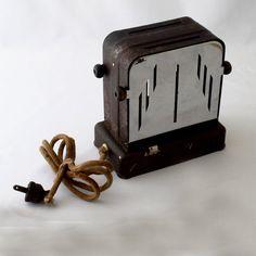 Vintage 1930s toaster / kitchen decor / 30s by CtmercantileGoods, $20.00
