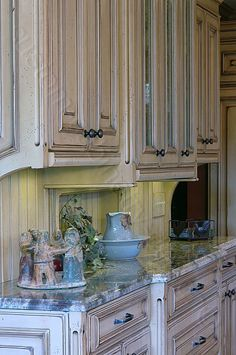 Build Your Own Lovely Distressed Kitchen Cabinets; Custom Made Kitchen  Cabinets, Details And Home Design Ideas