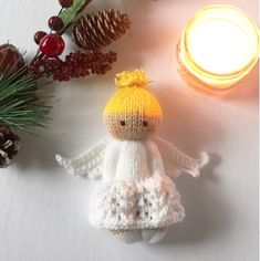 knitted dolls This pattern is adapted from the Izzy Doll patterns available freely online for charity knitting. The pattern is free for personal use, not for sale or profit. Crochet Pattern Free, Knitting Patterns Free, Free Knitting, Free Christmas Knitting Patterns, Knit Crochet, Knitting Toys, Knit Christmas Ornaments, Christmas Angels, Christmas Crafts