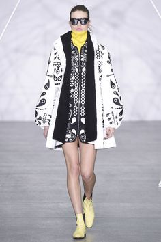 Holly Fulton Fall 2016 Ready-to-Wear Fashion Show  http://www.theclosetfeminist.ca/    http://www.vogue.com/fashion-shows/fall-2016-ready-to-wear/holly-fulton/slideshow/collection#2