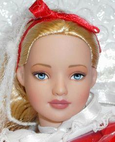 QUEEN ALICE ~ Alice In Wonderland ~ TONNER DOLLS ~ NEW IN BOX #Tonner