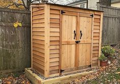 The versatile 6×3 Grand Garden Chalet features adjustable shelves on one side and a full-height space on the other, so you can arrange your tools and gardening