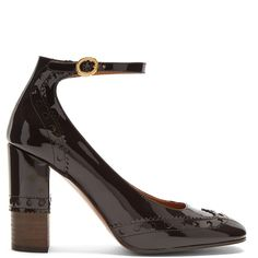 Chloé Perry block-heel patent-leather pumps (44.190 RUB) ❤ liked on Polyvore featuring shoes, pumps, dark brown, patent shoes, vintage style shoes, polish shoes, block heel pumps and brown patent leather shoes