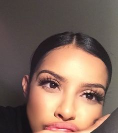 beauty, brunette, and eyebrows image Flawless Beauty, Flawless Makeup, Huda Beauty, Beauty Makeup, Eye Makeup, Hair Makeup, Flawless Skin, Beauty Bar, Queens