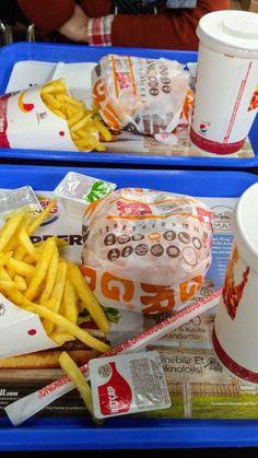 # - Food and Drink Buger King, King Food, Tumblr Food, Junk Food Snacks, Fast Food, Fake Pictures, Food Snapchat, Story Instagram, Food Goals