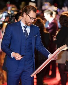 "bonbon_artwork✨ ""My WORK with Tom Hiddleston! Thank you Thomas and thanks for Everyone, Again"" (https://www.instagram.com/p/Bhg8uDjFo1N/) #TomHiddleston #Loki #Avengers: #InfinityWar"