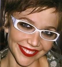 maggie gyllenhaal can pull these off, but can I?