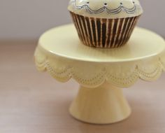 Butter colored cake stand