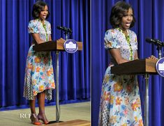 I love how accessible her style is. Michelle Obama In Duro Olowu - 'The Powerbroker Whitney Young's Fight for Civil Rights' Screening Young Michelle Obama, Michelle Obama Fashion, Barack And Michelle, Whitney Young, Duro Olowu, American First Ladies, Italian Actress, Executive Office, Red Carpet Event