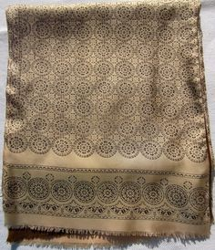 Baroque print golden beige, double sided vintage shawl, silk and wool Excellent condition, clean and ready to wear 120 cm cm wide;