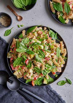 Soup And Salad, Pasta Salad, Finnish Recipes, Fusilli, Dessert Recipes, Desserts, Health And Wellbeing, Paella, Salads