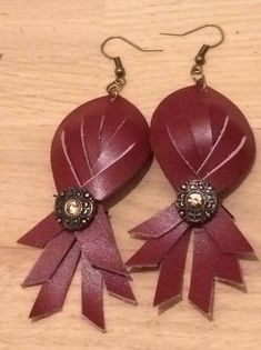 Boucles cuir perles
