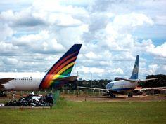 Aviões que foram abandonados apos confisco judicial no aeroporto Internacional de Brasília Presidente Juscelino Kubitschek | Esses avioes acabaram sendo desmontados e removidos desse parque de aviação ha pouco tempo