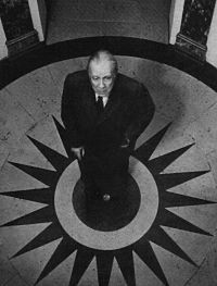 """Jorge Luis Borges... mialephtualeph """"vi el Aleph, desde todos los puntos, vi en el Aleph la tierra, vi mi cara y mis vísceras, vi tu cara, y sentí vértigo y lloré, porque mis ojos habían visto ese objeto secreto y conjetural, cuyo nombre usurpan los hombres, pero que ningún hombre ha mirado: el inconcebible universo"""""""