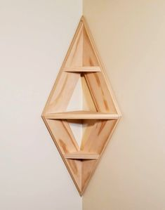35 Smart Corner Shelf Design Ideas That Will Change Your Room Style - Engineering Discoveries Corner Shelf Design, Diy Corner Shelf, Wood Corner Shelves, Wall Shelves Design, Diy Shelving, Bookshelf Design, Bookshelf Diy, Art Corner, Wood Shelf