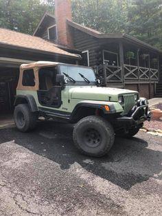 Jeep Wrangler Yj, Jeep Tj, Jeep Images, Green Jeep, Jeep Stickers, Cool Jeeps, Black Labs, Jeep Life, 4x4