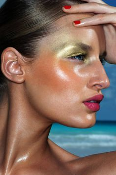 The perfect summer palette: bronze, highlighted skin paired with bright and nude accents. Click here for more tips.