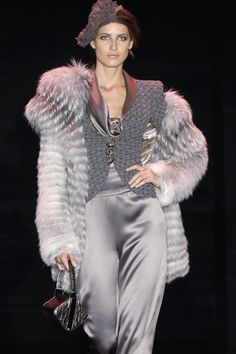 Armani Privé. Look at that beautiful fur!! I want to just roll around in it! http://jaimelemaquillage.yolasite.com