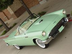"""This 1957 Ford Thunderbird convertible was """"MINT"""" to have an old soul as an owner! #oldsoul #dreamcar"""