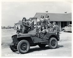 76 Jills in a Jeep, Tyndall Field, Florida WWII   Flickr - Photo Sharing!