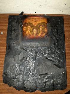 Για θαύμα μιλούν στην Ηλιούπολη: Κάηκε εικόνα από φωτιά-Άθικτα τα πρόσωπα των Αγίων - ΕΚΚΛΗΣΙΑ ONLINE