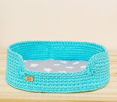 😻 How to add a pet room to small corner? Animal Room, Crochet Home, Crochet Yarn, Pet Ducks, Diy Dog Kennel, Yarn Bag, Cat Furniture, Crochet Animals, Dog Bed
