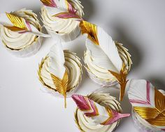 fondant gum paste edible feather topper cupcakes how to