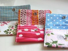 You could add a little strap to these diy snap wallets and have yourself a cute little wristlet!
