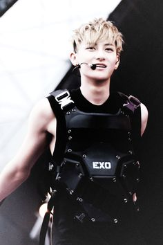 Tao EXO M Zitao KungFu Panda ... waaaa! Imagine him shirtlesss *-*