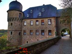 Burg Lichtenberg in Thallichtenberg, near Kusel and Baumholder, Germany. Black Forest Germany, Restaurant, Old Buildings, New Adventures, Beautiful Images, Mansions, House Styles, Castles, Places