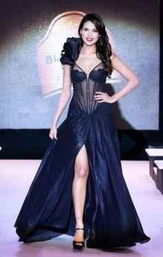 Esha Gupta #Bollywood #Fashion