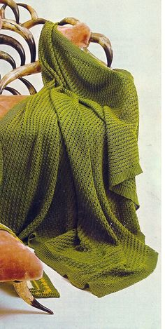 This Beginners Crochet afghan pattern is all one color, all one design, but look close, it is ultra attractive.