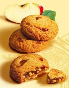 Chewy Gingersnaps - That Skinny Chick Can Bake Mini Desserts, Frozen Desserts, Cookie Desserts, Cookie Recipes, Dessert Dishes, Dessert Recipes, Apple Recipes, Sweet Recipes, Biscotti Cookies