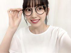 堀 未央奈 (乃木坂46) | 755 Gyaru, Bikini Fashion, Beautiful Women, Kawaii, Poses, Female, Glasses, Bikinis, Cute