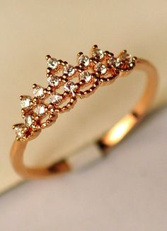 Crown Rhinestone Ring! I SO want this for my collection!