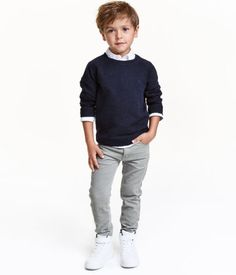 pants in cotton corduroy with an adjustable elasticized waistband and zip fly with snap fastener (sizes with button). Little Kid Fashion, Cute Kids Fashion, Boy Fashion, Boys Fall Fashion, Baby Boy Outfits, Kids Outfits, Cool Outfits, School Picture Outfits, Grey Pants Outfit