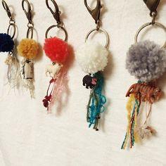 アヴリルとは京都に本社のある手芸糸の専門店です。現在お店があるのは吉祥寺と梅田。300種類もの個性的なオリジナルヤーンが揃うSHOPは、糸や編み物好きにはたまらない夢の世界なんです。簡単で可愛らしい小物ができるキットも大人気。通販もあるそうなので、地方の人も要チェックですよ♪