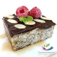 Zdravý makovec bez cukru a mouky je nabitý zdravými surovinami pro vaše zdraví