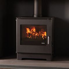 A WARM WELCOMEIN EVERY ROOM Morsø has been at the forefront of stove design and technology for 160 years and the launch of the DB15 is no exception. A truly
