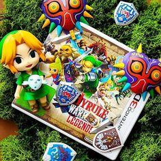 Merry Christmas lovely gamers!!!! This beautiful Zelda snap is by @sabrinaslife2  I hope everyone has a lovely day :) --------------------------------------------#nin #nint #nintendo #nintendolife #nintendogram #nintendode #anime #manga #amiibo #photography #photooftheday #instagood #instalike #zelda #link #toys #toyphotogallery #games #videogames #like4like #likeforlike #green #hyrulewarriors3ds