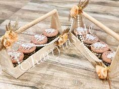 Wedding Gift Hampers, Wedding Gift Boxes, Wedding Gifts, Engagement Gift Baskets, Diwali Gift Hampers, Creative Gift Baskets, Fondant Flower Tutorial, Homemade Gift Baskets, Birthday Hampers