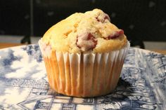 Meggyes muffin Muffins, Cupcakes, Sweets, Snacks, Baking, Breakfast, Food, Facebook, Morning Coffee