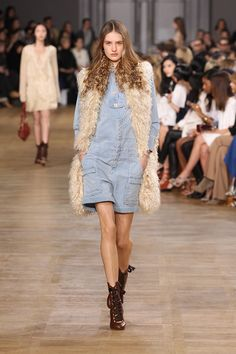 Look 28 from the Chloé Fall-Winter 2015 runway