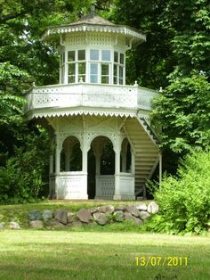 10 Of The Most Amazingly Beautiful Gazebos!! - This antique beauty has Victorian charm. Absolutely beautiful! Via cbsdetroit.files.wordpress.com