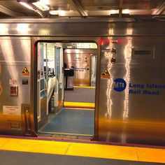 Looking through one train into another... - @jeffreynyc