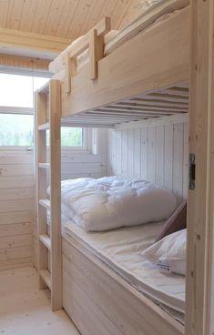 Soverom — Ålhytta Fish Camp, Book Nooks, Bunk Beds, House Ideas, Cabin Ideas, Beach House, Cottage, House Design, Doors