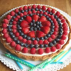 """Mi piace"": 780, commenti: 17 - Cristina Vismara (@crivismi) su Instagram: ""Birthday Tart 🍓🎉 #insta_foodandplaces #heresmyfood @food #hautecuisines #feedfeed…"""